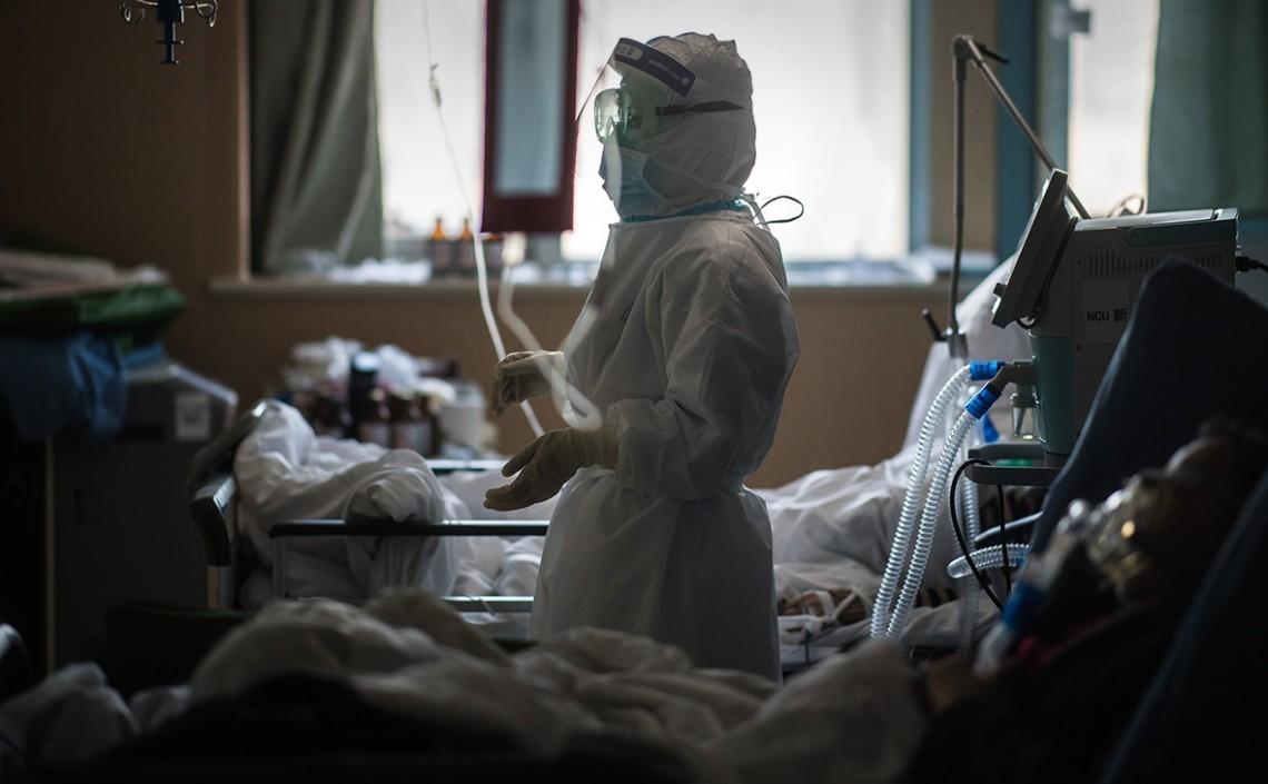 Упродовж минулої доби звернулись за екстреною медичною допомогою 382 осіб, з них з явищами гострої пневмонії –33 та 41 хворий з підозрою на COVID-19.