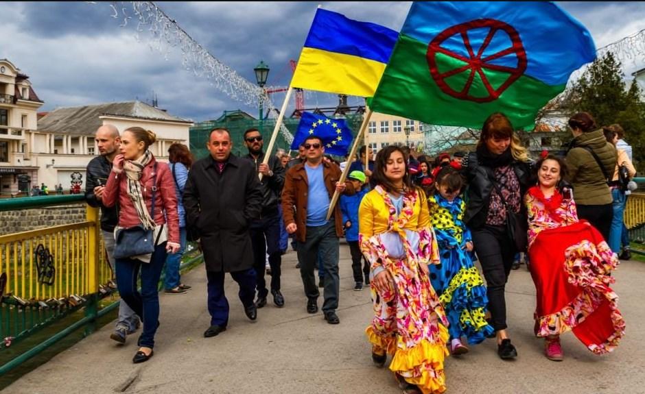 Ряд осіб, які називають себе ромськими лідерами, висловили свою позицію та засудили дії ГО.