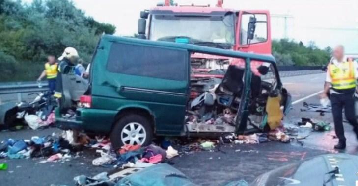 Смертельна ДТП із заробітчанами в Угорщині: під час стріму водій мікроавтобуса допустив зіткнення (ВІДЕО)
