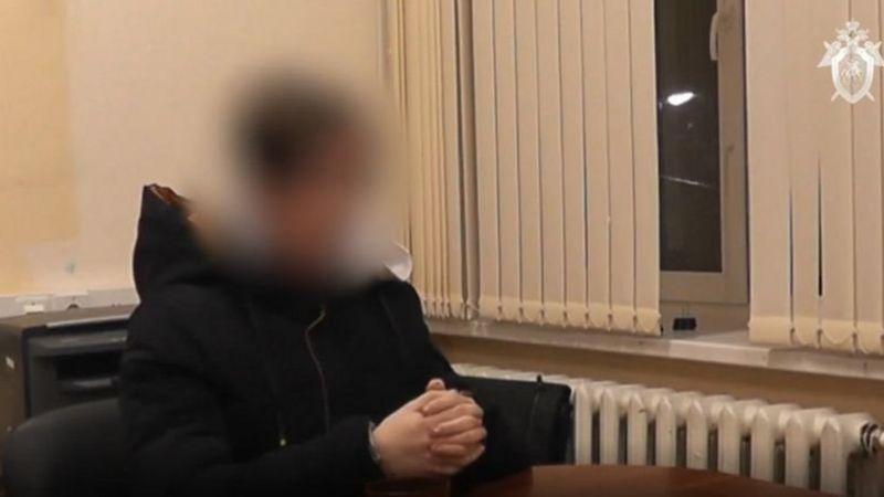 У російському Єкатеринбурзі затримали підлітка, якого підозрюють у вбивстві батьків і сестри.