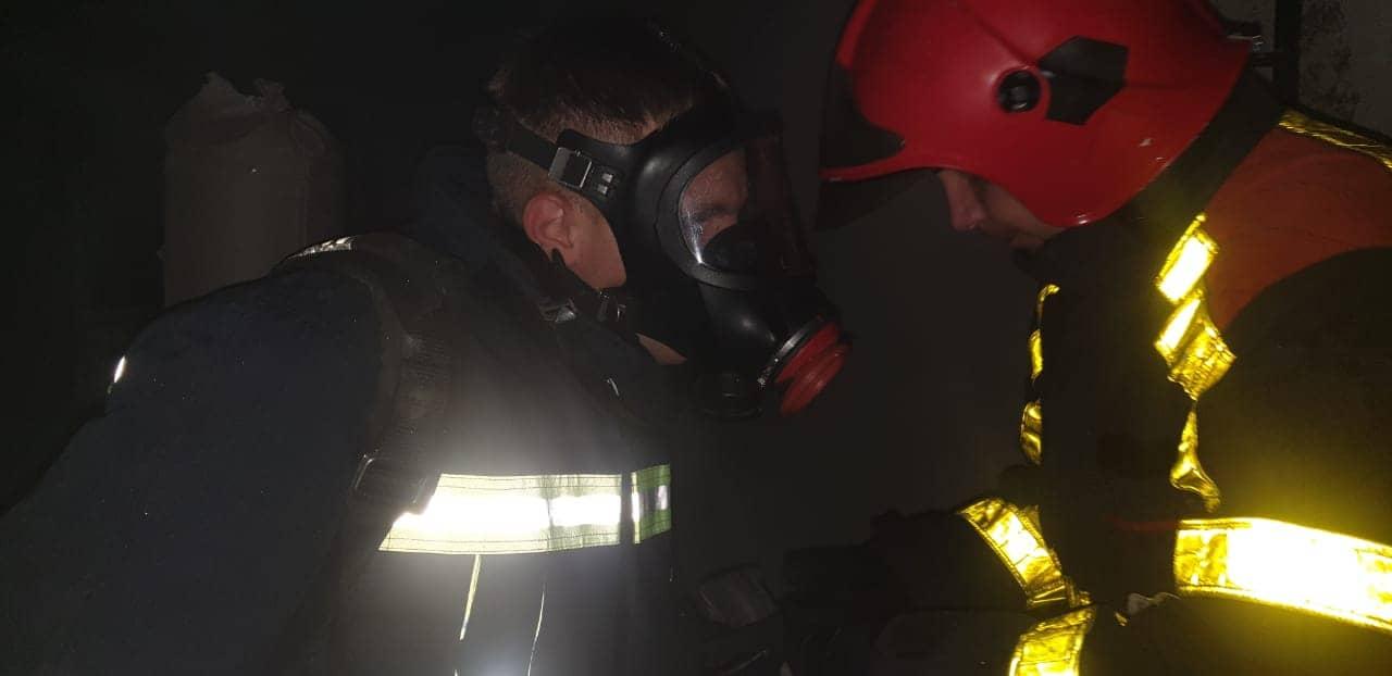 Ще 13-ро під час гасіння пожежі в багатоповерхівці м.Хуст були евакуйовані .