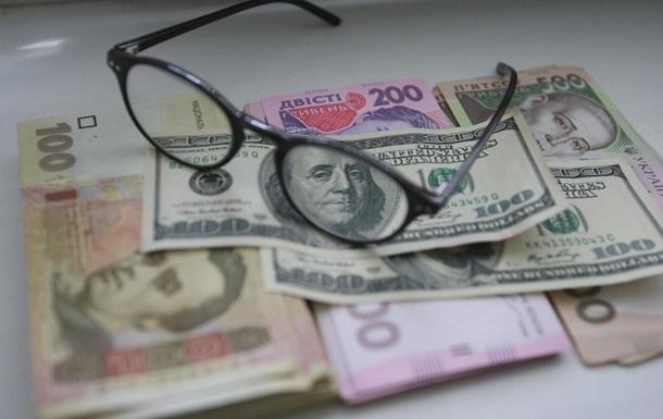 Україна опинилася в зоні ризику валютної кризи