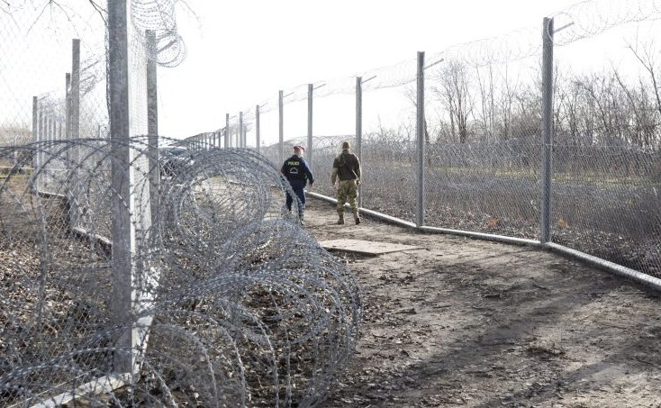 Штаб національної поліції направив 30 осіб в Північну Македонію і 20 чоловік в Сербію.