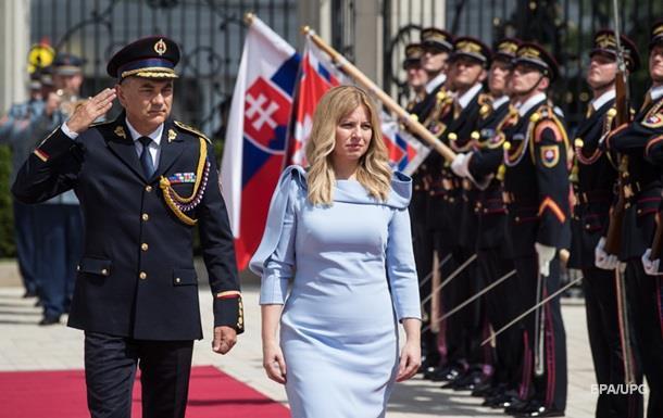 Зузана Чапутова стала першою жінкою президентом Словаччини. За рахунку вона п'ята президент незалежної Словаччини з часу розколу Чехословаччини в 1993 році.