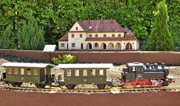 У франківському м.Яремче було створено унікальний парк-музей «Карпати в мініатюрі», який детально відображає архітектурні пам'ятки та об'єкти культурного надбання Карпат.