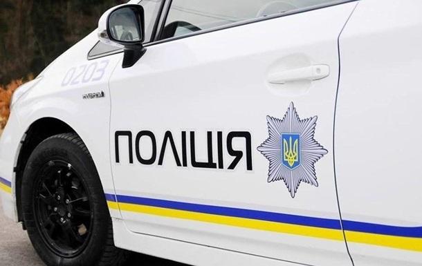 З місця події вилучили кулю калібром 9 мм та інші речові докази, відзначили в поліції.