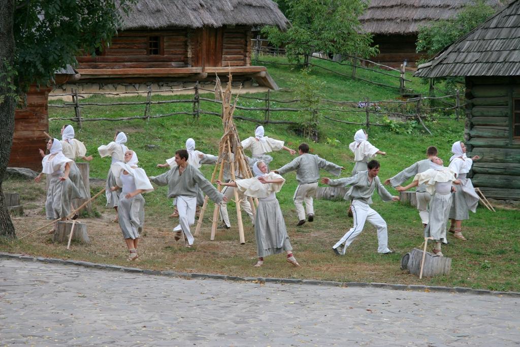 У понеділок, 12 липня, Костринська сільська рада запрошує на перший фестиваль «Петрівські субітки», який розпочнеться у с.Вишка, на горі Красія (на пересадці, підйом канатною дорогою) о 16:00.