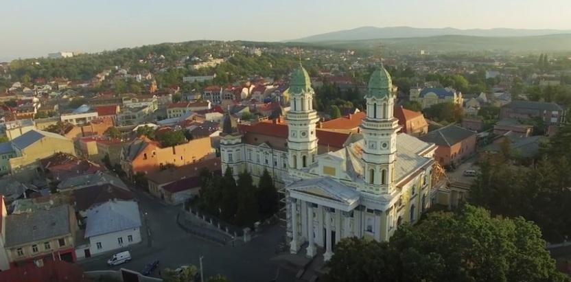В Ужгороді зросли середньомісячні концентрації небезпечних речовин у повітрі
