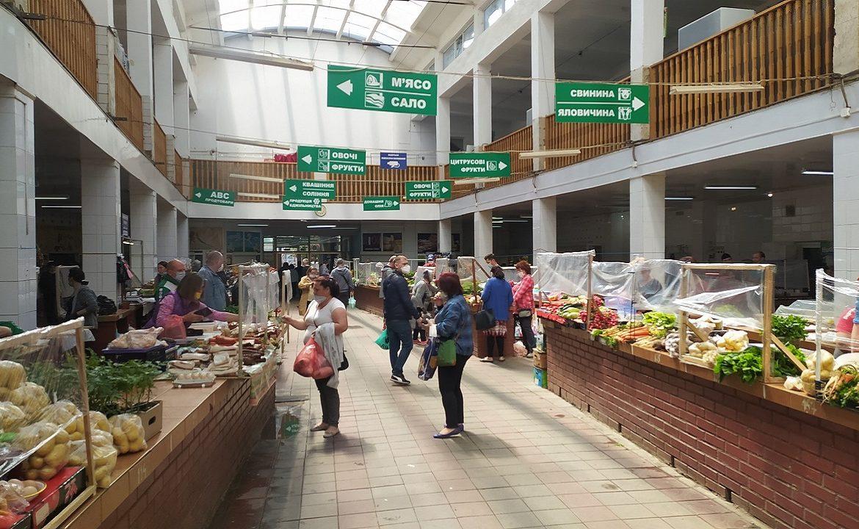 Ринок на Корятовича в Ужгороді змінює режим роботи.