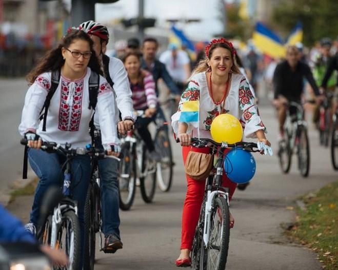Вперше в Рахові відбудеться велопарад у вишиванках