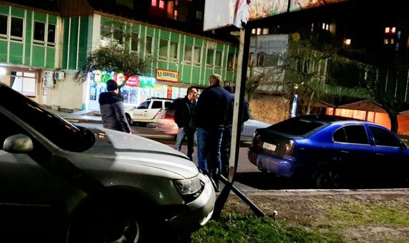 Аварія трапилася в Ужгороді на проспекті Свободи в районі автовокзалу. На місці працювала поліція.