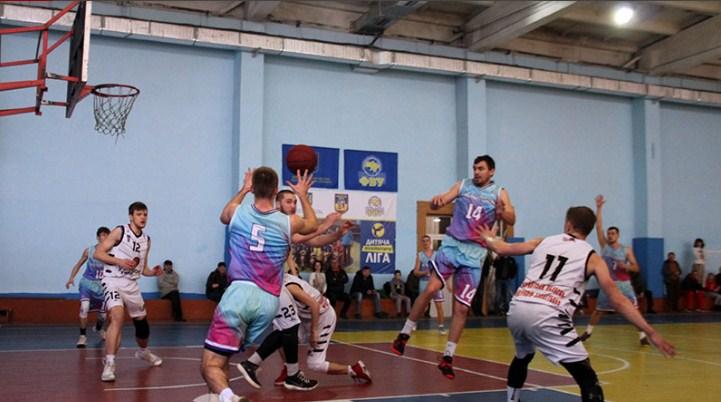 Днями стартувала боротьба у Першій лізі України з баскетболу. Уже традиційно наш край у звітних змаганнях представляє БК «Ужгород-УжНУ-ЗОДЮСШ».