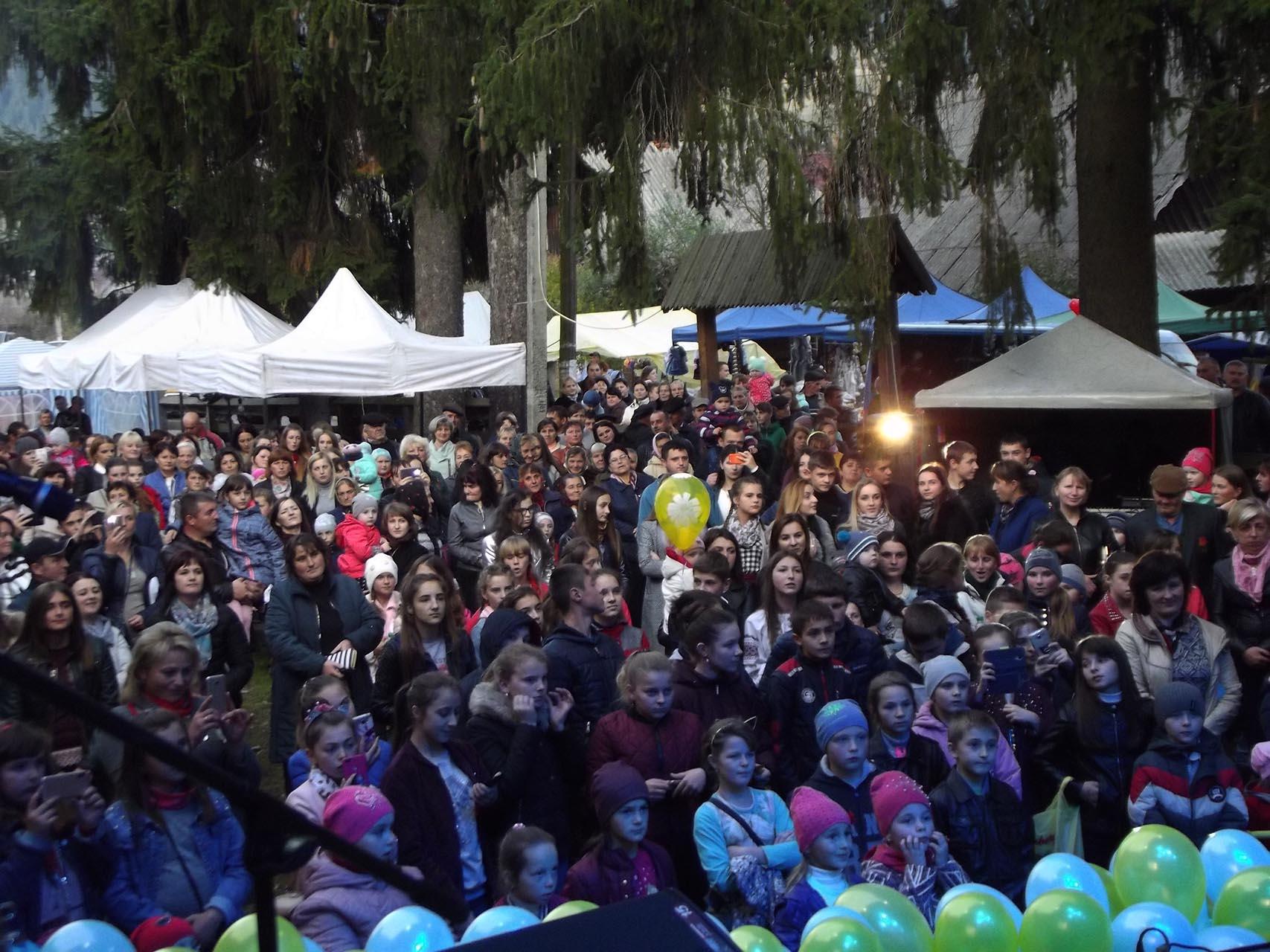Останньої неділі жовтня Синевир відзначав День села