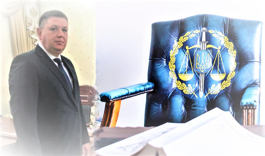 Напередодні в Мукачеві відбулося представлення керівника окружної прокуратури. Ним став екс-очільник Ужгородської місцевої прокуратури.