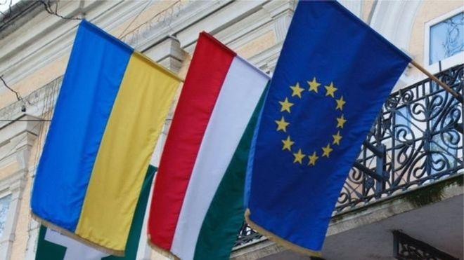 Глава МЗС пояснив новому президенту України, як можна врегулювати конфлікт з Угорщиною.