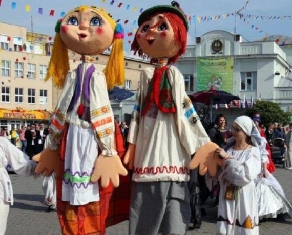 У неділю, 1 вересня, Закарпатський академічний обласний театр ляльок