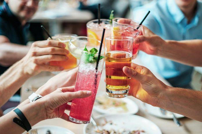 Алкоголь гірший за наркотики: радять видавати його за рецептом - The BMJ