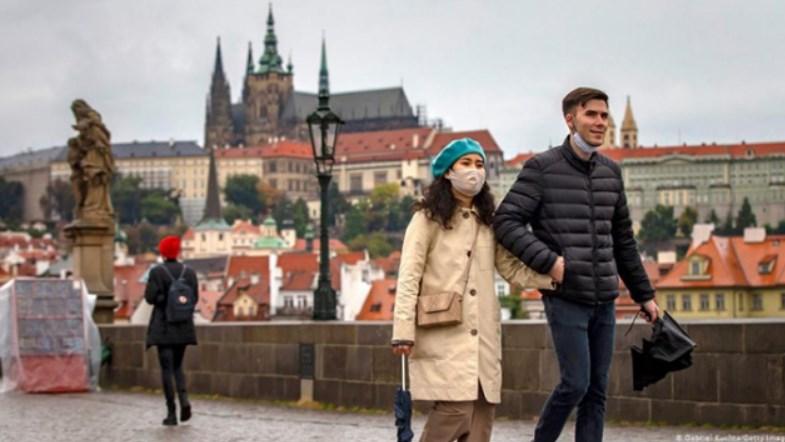 У Чеській Республіці фіксують зниження кількості смертей від коронавірусу.