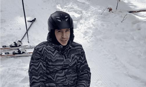 36-летний киевлянин, который приехал на выходные покататься на горнолыжных склонах Карпат и понятия не имел, что спуск одного из них, который в народе называют «романтикой», закончится так резко.