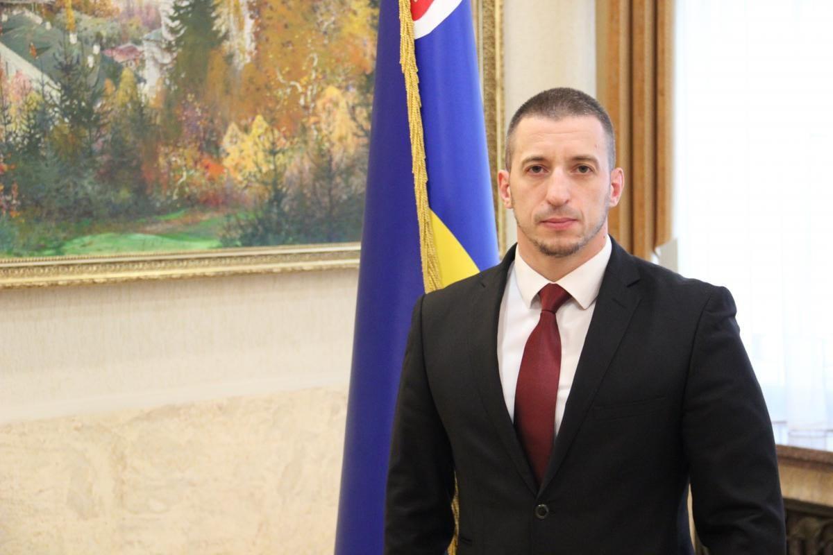 Ігор Шинкарюк покидає посаду заступника голови Закарпатської ОДА.