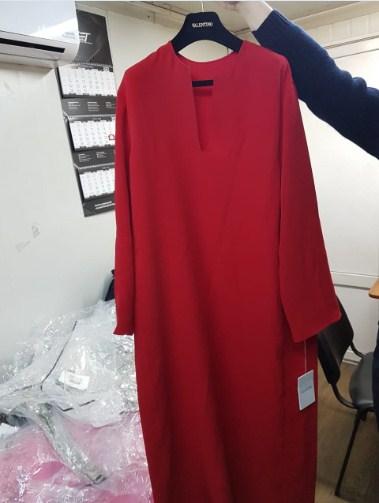 Закарпатська митниця: серед багажу із вживаним одягом – колекційний одяг від «VALENTINO» на кілька тисяч доларів.