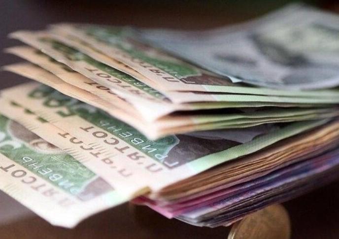 Всі українські чиновники зобов'язані декларувати свої доходи. І кожного року вони це роблять.