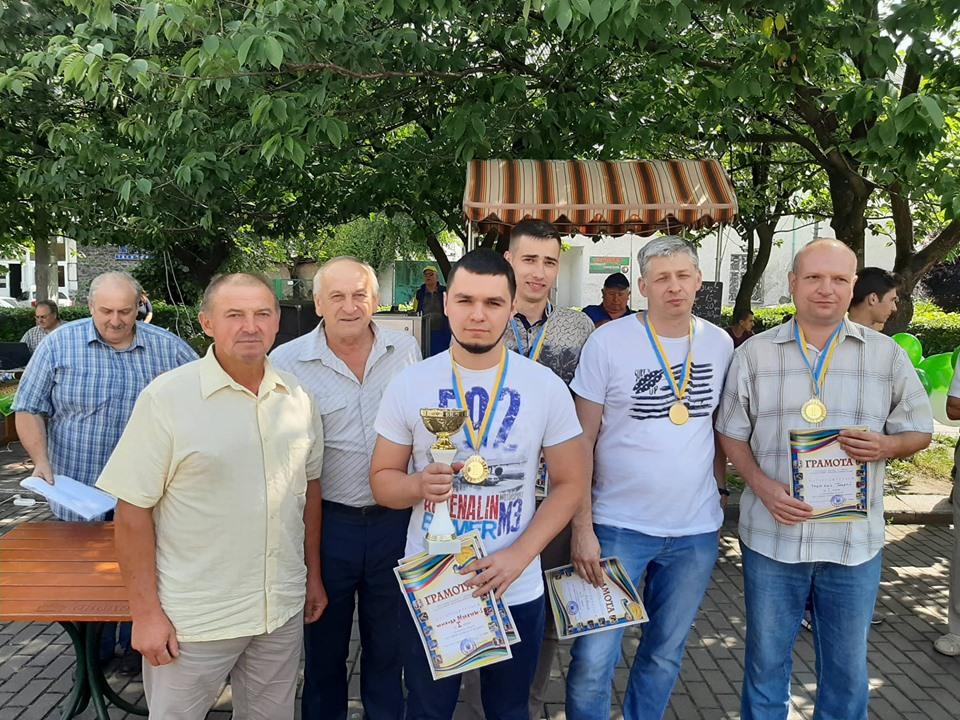 У Виноградові 14 липня пройшла першість Закарпатської області серед збірних команд міст і районів з шахів.