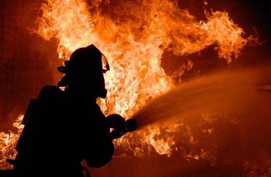 На Виноградівщині масштабна пожежа: горів житловий будинок (ВІДЕО)
