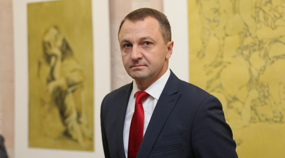 Тарас Кремінь відреагував на інформацію про мовний скандал у дитсадку Виноградова.