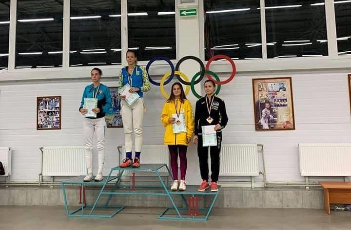 Закарпатські фехтувальниці здобули призові місця на Чемпіонаті України.