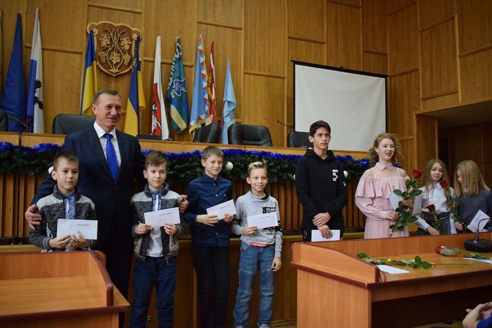 140 тисяч гривень із міського бюджету Ужгорода спрямували на фінансову підтримку кращих спортсменів міста.