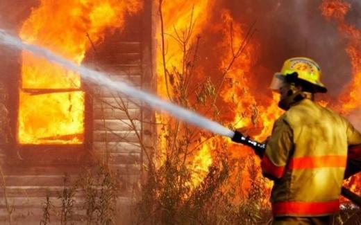 16 серпня через пожежу згорів дерев'яний будинок площею 64 м2 у селі Синевир, що на Міжгірщині.
