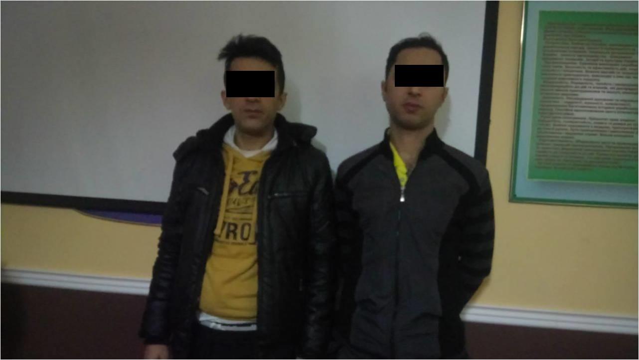 Берегівські прикордонники виявили двох сирійців, які переховувались на цвинтарі
