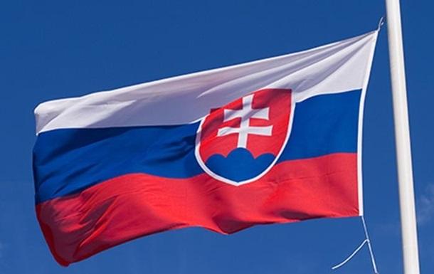 При цьому президент Словаччини пішла на самоізоляцію після контакту з інфікованим, вона почувається добре.