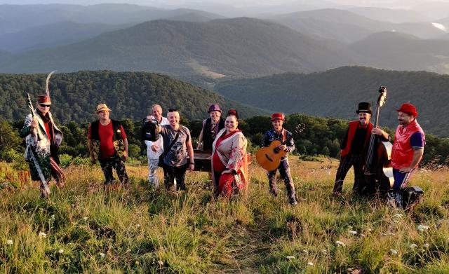 Hudaki Village Band виступатиме у Цюриху.