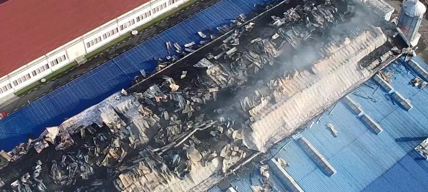 127 чоловік та 17 одиниць техніки приборкували пожежу на території українсько-австрійського підприємства