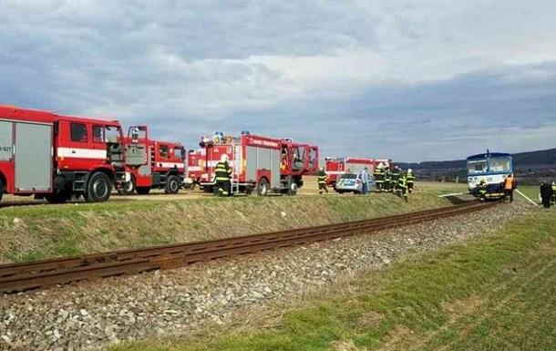 У Чехії зіткнулися два потяги, багато постраждалих