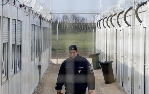 Після рішення Суду ЄС щодо угорської системи отримання притулку агентство Frontex вирішло призупинити свою роботу в Угорщині.