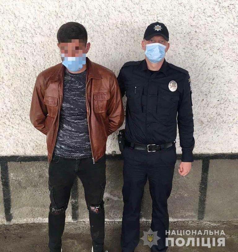 Поліцейські Виноградова оперативно розшукали та затримали 28-річного жителя райцентру.