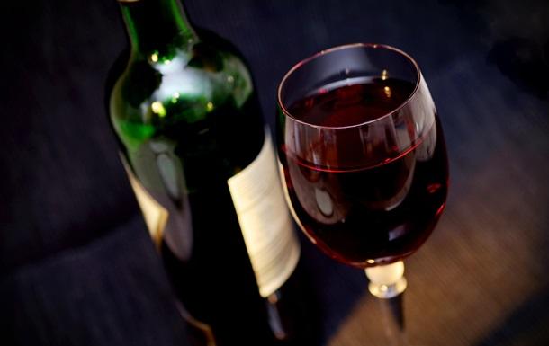 Злодії забрали тільки найелітніші і найдорожчі напої. Збитки оцінюються в більш ніж півмільйона євро.