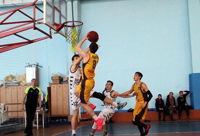 10-й тур третього за силою дивізіону України був вирішальним для головної баскетбольної команди Закарпаття, адже мало вирішитися питання, чи побачимо ми нашого представника в раунді плей-оф.