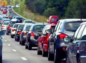 """Значне скупчення автомобілів спостерігається на пунктах пропуску """"Тиса"""", """"Лужанка"""" та """"Дяково""""."""