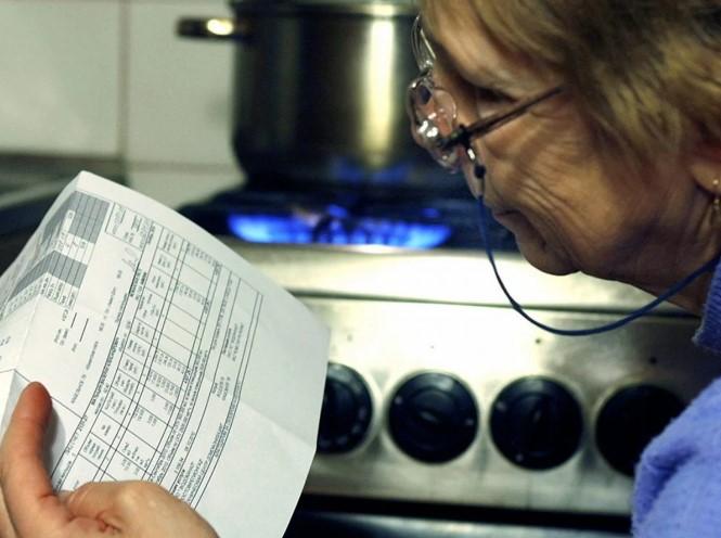 Закарпатські нардепи-мажоритарники надають перевагу дописам в соцмережах, перед результативною законотворчою діяльністю яку вимагає їхній статус.