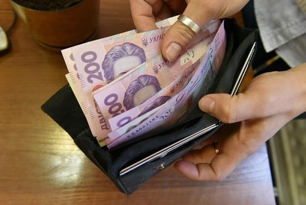 У 2018 році вчителі в Україні отримуватимуть на 25% більшу зарплату