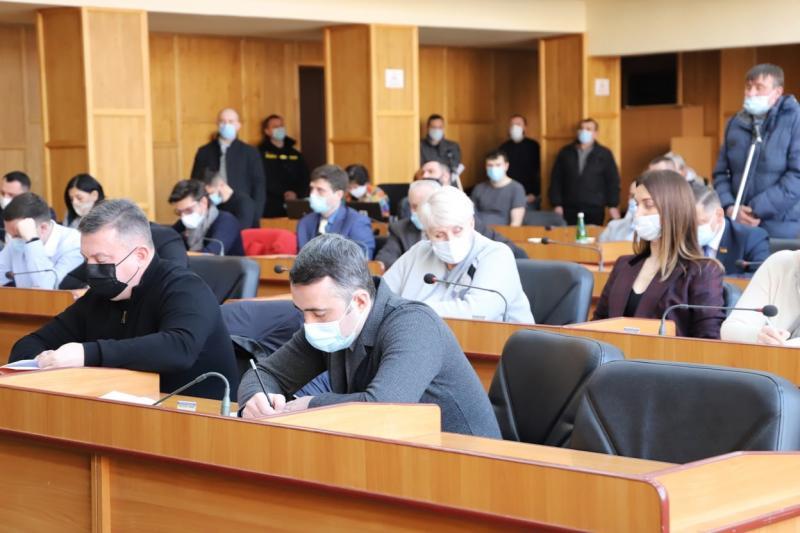 Проголосували сьогодні на сесії Ужгородської міської ради і за Програму підтримки 1-го Державного пожежно-рятувального загону Управління ДСНС України у Закарпатській області на 2021-2022 роки.