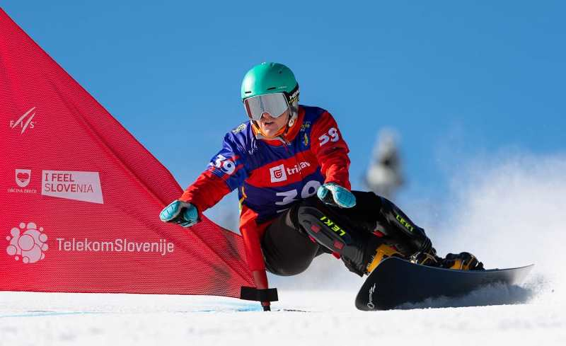 В понедельник и вторник, 1-2 марта, в словенской Рогле прошел чемпионат мира по сноуборду 2021 года. Сборная Украины состояла из двух транскарпатов - Аннамари Данчи и Надежды Хапатиной.