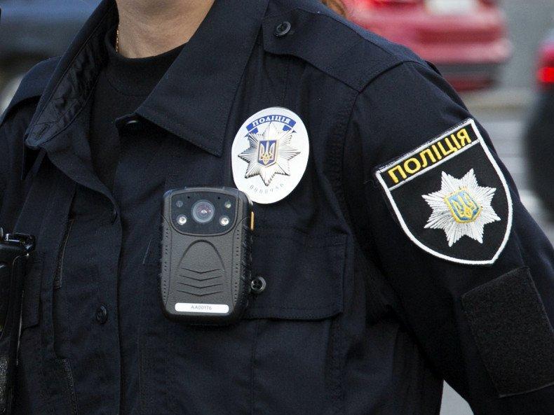 Завершено досудове розслідування та скеровано до суду обвинувальний акт стосовно дільничного офіцера одного з відділів поліції ГУНП в Закарпатській області.