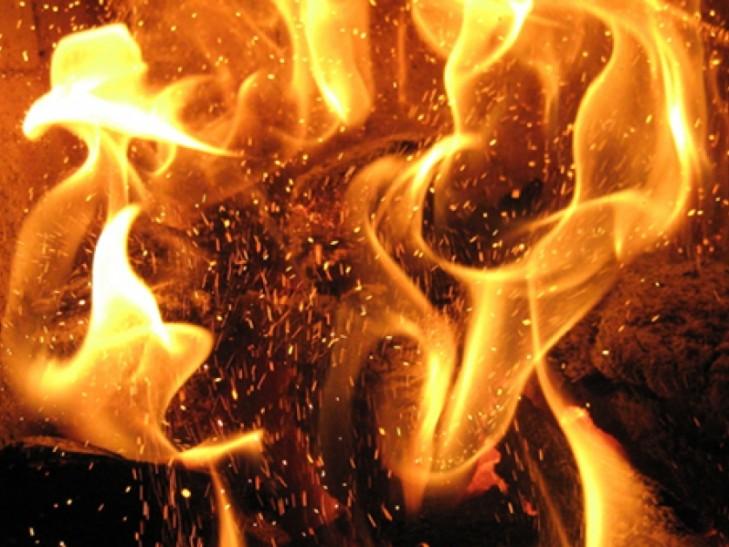 В краї вночі під час пожежі отруїлись чадним газом троє осіб, серед них – немовля