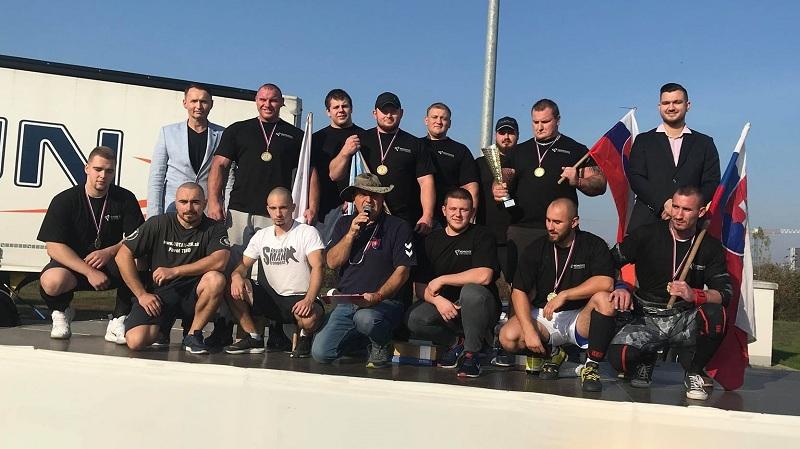 В суботу в місті Міхаловці пройшов чемпіонат Словаччини по перетягуванню вантажівок, в якому прийняли участь і наші стронгмени.