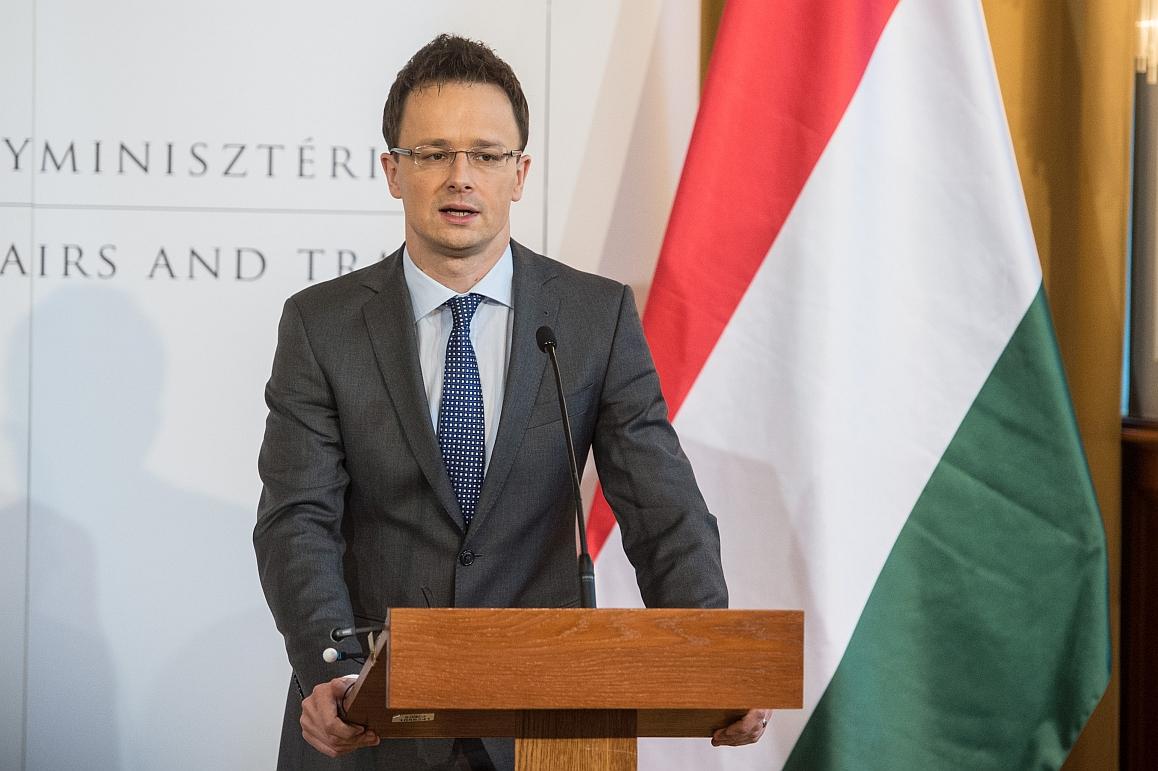 Мовний конфлікт зУкраїною: уНАТО поставили Угорщину на місце